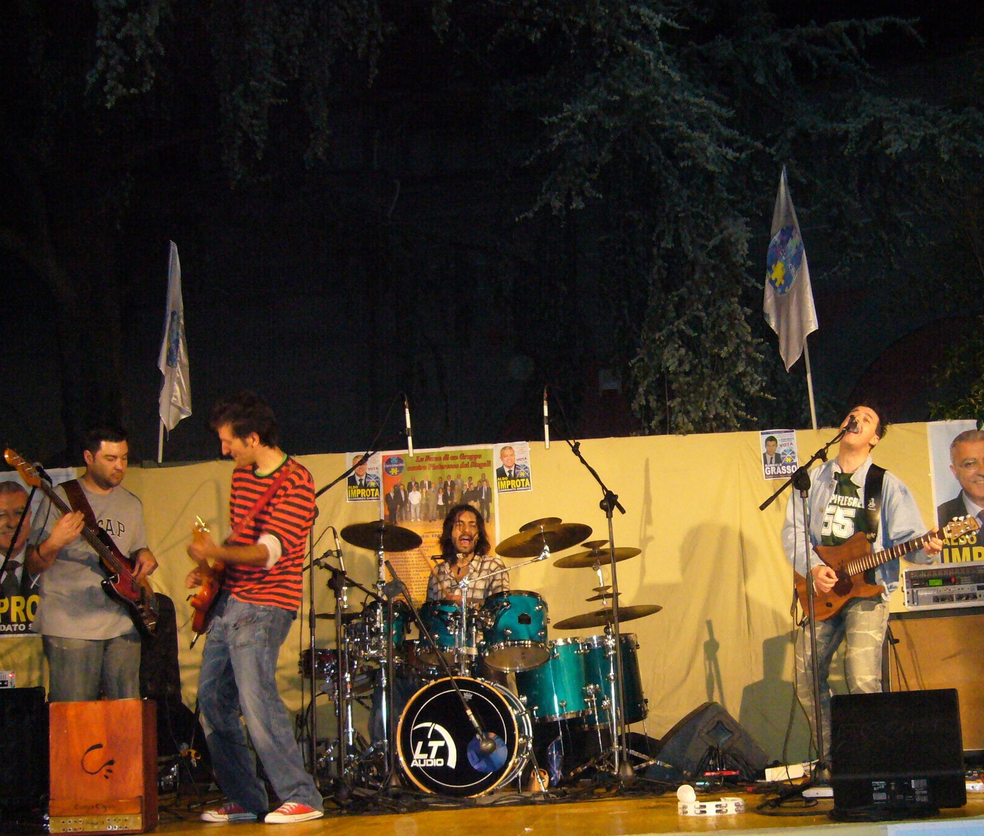 Live @Cercola con gli Hill Side - 25 maggio 2007 (NA)